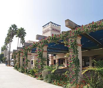 Hacienda Hotel LAX Exterior