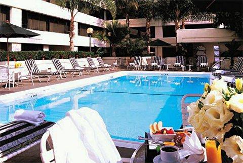 Westin LAX Pool